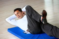 Man doing abs Royalty Free Stock Photography