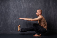 Man doing exercise Royalty Free Stock Images