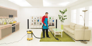 Man doing housework Royalty Free Stock Photography