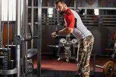Man doing triceps workout Royalty Free Stock Photos