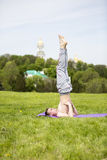 Man doing yoga in nature Royalty Free Stock Photos