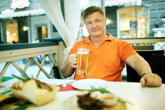 Man drink beer Royalty Free Stock Images