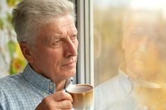 Man drinkig tea Royalty Free Stock Images