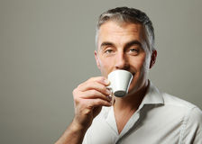Man drinking a coffee Royalty Free Stock Photos