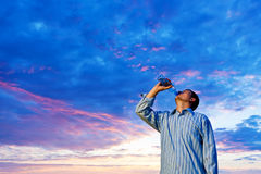 Man drinking pure water Royalty Free Stock Photography