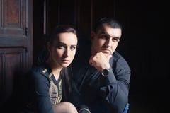 Man en vrouw in oud manierkasteel royalty-vrije stock foto