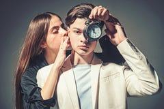 Man en Vrouw Schoonheid en manier Manierpaar in liefde Haarstijl en skincare Vriendschapsrelaties Familiebanden stock foto