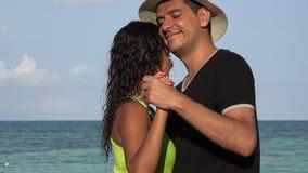 Man en Vrouwen Dansend Paar stock videobeelden