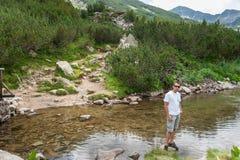 Man Enjoying Mountain Royalty Free Stock Photos