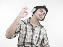 Man enjoying music Royalty Free Stock Photography