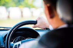 man för bilkörning Arkivfoton