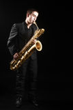 Man för jazz för saxofonspelare Arkivfoto
