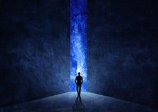 Man framme av öppen dörr med universum bakom royaltyfri illustrationer