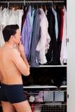man garderoben Fotografering för Bildbyråer