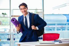 The man getting ready for sports break in the office Royalty Free Stock Photos