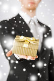 Man giving gift box Royalty Free Stock Photography