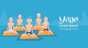 Man Group supérieur se reposant dans le yoga Lotus Position Relaxing Doing Exercises illustration stock