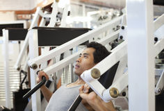 Man gym workout Stock Images