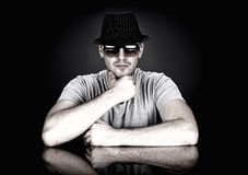 Man in hat and sunglasses Royalty Free Stock Photography