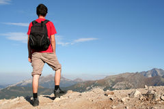 Man hiking in mountains Royalty Free Stock Photography