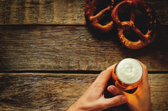 Man holding beer Royalty Free Stock Photo