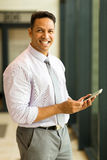 Man holding smart phone Royalty Free Stock Photos