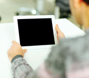Man holding tablet computer Royalty Free Stock Photos