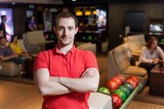 Man i bowling Arkivbild