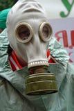 Man i en gasmask Royaltyfri Fotografi