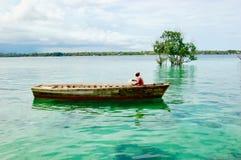 Man i fartyg Fotografering för Bildbyråer