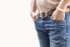 Man i jeansbyxa på vit bakgrund Arkivbilder