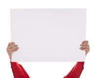 Man i skjortan som rymmer det blanka tecknet Royaltyfria Bilder