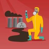 Man i skyddande dräkt för gasmask och för utstrålning Fotografering för Bildbyråer