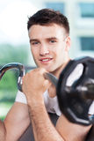 Man lifting weights Royalty Free Stock Photography