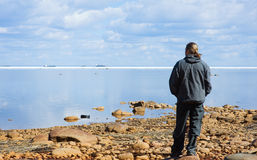 Man looking at sea Royalty Free Stock Photo