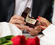 Man making propose to his girlfriend Royalty Free Stock Photography