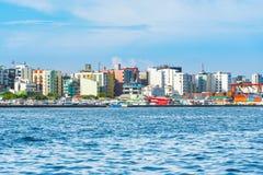 MAN MALDIVERNA - NOVEMBER 18, 2016: Sikt av staden av mannen - royaltyfria foton