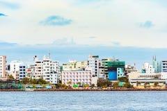 MAN MALDIVERNA - NOVEMBER, 27, 2016: Sikt av staden av mannen fotografering för bildbyråer