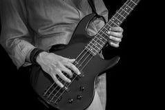 Man med gitarren royaltyfria bilder