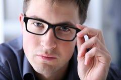 Man med glasögon royaltyfri foto