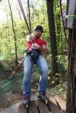 Man med klättrareutrustning Fotografering för Bildbyråer