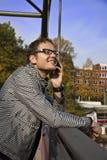 Man med telefonen Royaltyfria Foton