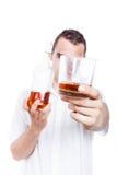 Man med whisky Arkivfoto