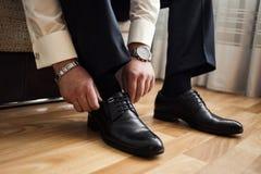 Man mode, tillbehör för man` s, affärsmankläderskor, Politi Royaltyfria Bilder