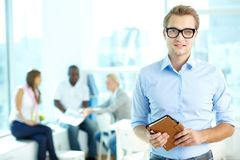 Man with notepad Royalty Free Stock Photos