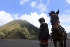 Man och häst Royaltyfri Fotografi