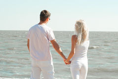 Man och kvinna på havet Royaltyfri Bild