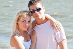 Man och kvinna på havet Royaltyfri Foto