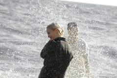 Man och kvinna på havet Royaltyfri Fotografi