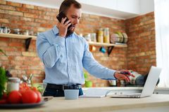 Man making order in online shop Royalty Free Stock Photography